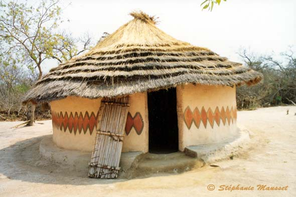 South africa photos - Shangaan-Tsongas hut ]: www.freewebs.com/southafricajcr/pictures.htm