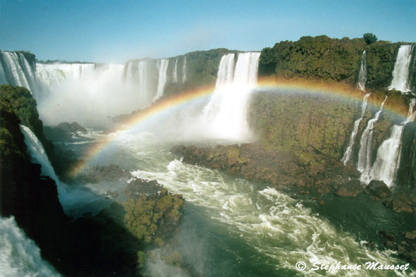 photo d'arc-en-ciel aux gorges du diable d'Iguazu