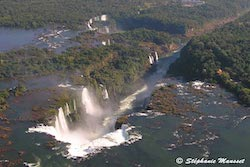 photo aérienne chutes d'Iguazu