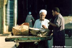 [Egyptian people photos - Bargaining scene]
