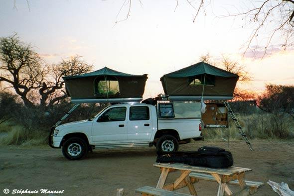 louer un 4x4 camping en namibie ou botswana. Black Bedroom Furniture Sets. Home Design Ideas